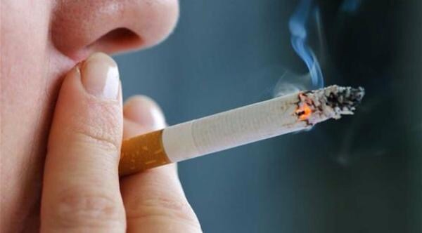 دراسة: التدخين يزيد من مخاطر السقوط المبكر للأسنان