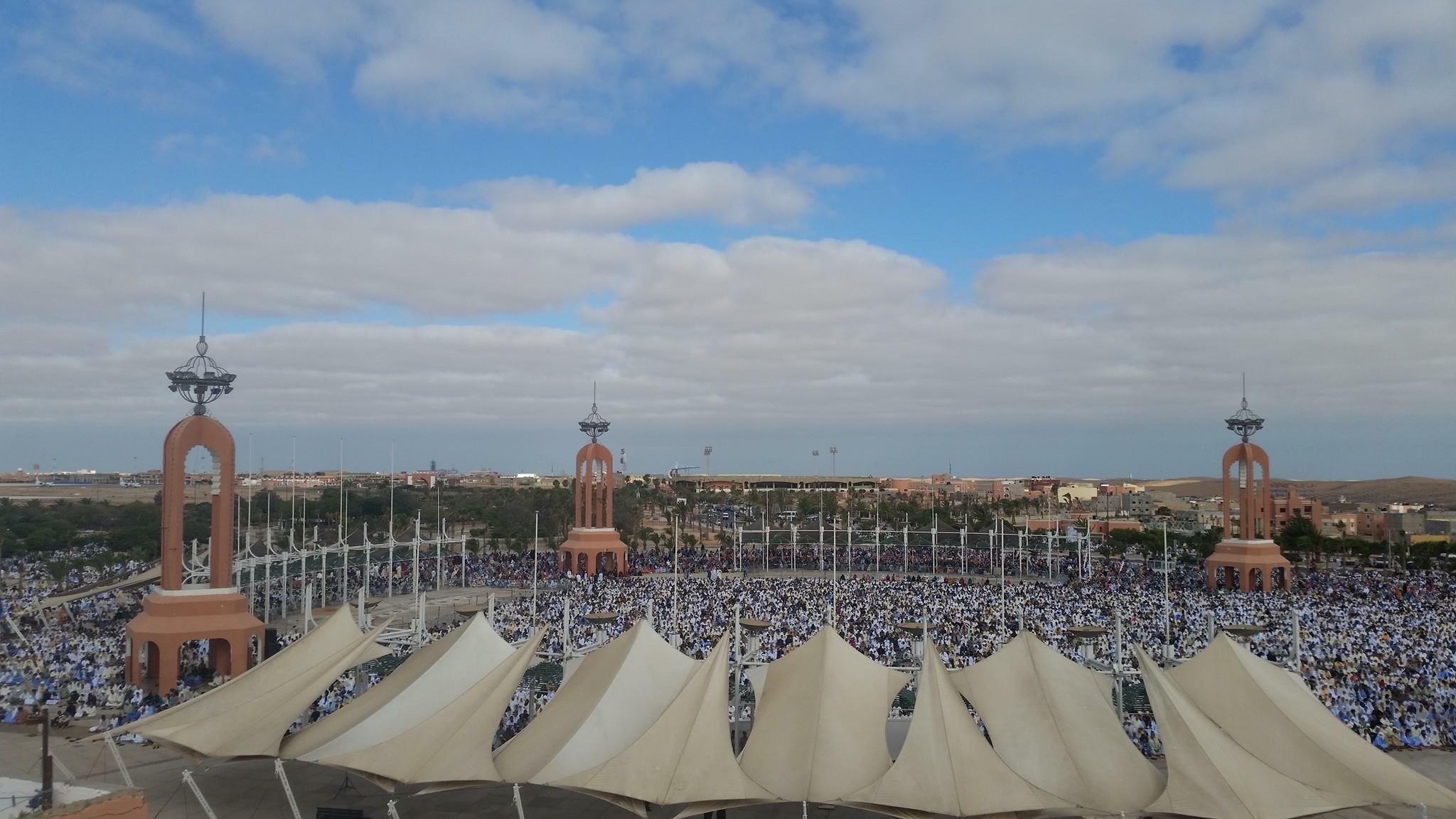 صلاة عيد الفطر بمدينة العيون