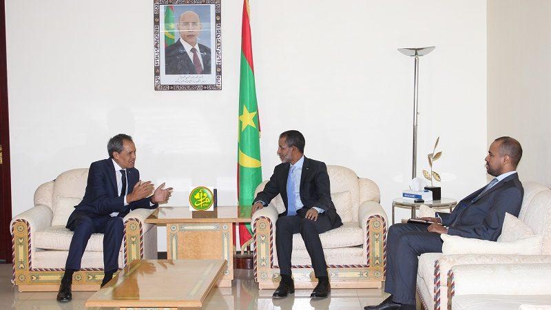 الوزير الأول الموريتاني يستقبل السفير المغربي و الفرنسي.