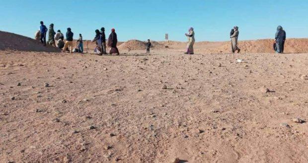 عشرات الصحراويين عالقين بصحراء جرداء