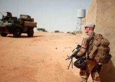 تصفية 20 مسلحا في عملية مشتركة مع فرنسا بمالي.