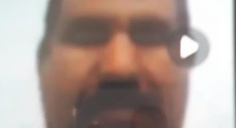 فيديو لما يسمى الأمين العام لوزير ثقافة البوليساريو يمارس الجنس عبر هاتف مع عاهرة.