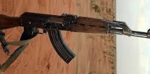 الجيش الموريتاني يوقف شخصين بحوزتهم أسلحة شرق الحزام.