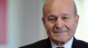 ايداع أغنى رجل أعمال في الجزائر السجن.
