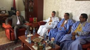 عمدة نواذيبو المناصر للبوليساريو في زيارة  مجاملة للقنصلية العامة المغربية.