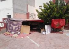 عمال بالداخلة يقضون عيدهم في العراء أمام صمت المسؤولين.