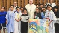 منظمة غوث الصحراويين في مخيمات تندوف تندد بإستغلال الأطفال في أغراض سياسية.