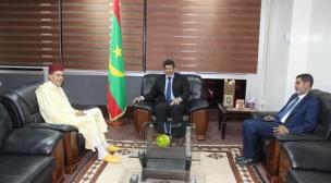 السفير المغربي في ضيافة الناطق الرسمي لحكومة موريتانيا.