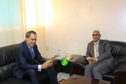موريتانيا والمغرب تبحثان التعاون في مجال الصيد.