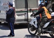 صاحب سيارة للنقل السري(هوندا ) يدهس شرطي بالعيون و يفر.