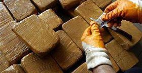 العيون.. إيقاف شخصين بتهمة الاتجار في المخدرات