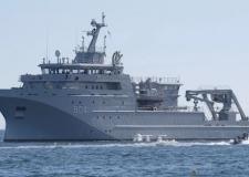 البحرية الملكية توقف زورقين بسواحل الداخلة.