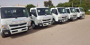 عامل إقليم طانطان يسلم 5 شاحنات لنقل الأسماك للمعطلين.
