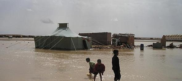 الأمطار الغزيرة تزيد من معانات اللاجئين الصحراويين بتندوف