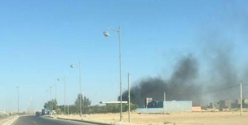 النار تأتي على السيارة كانت قرب محطة للوقود