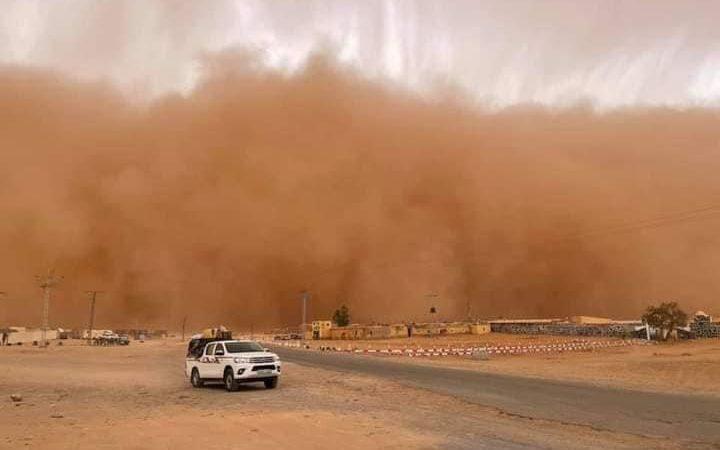 مخيمات الصحراويين وغضب الطبيعة